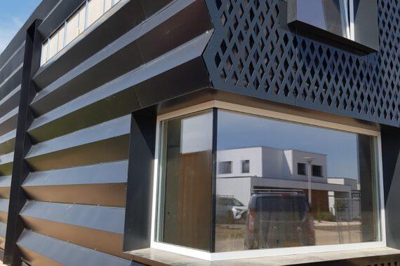 Zwart stalen woning architect